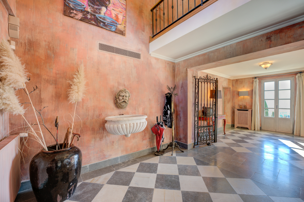 Country Estate For Sale in Grasse, South of France